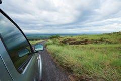 Движение автомобиля в национальном парке вулкана Стоковые Фотографии RF