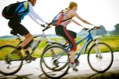 движение велосипедистов стоковое фото