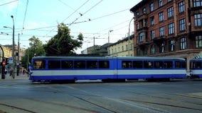 Движение в центральном Краков, Польше видеоматериал