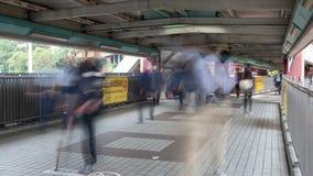 Движение Гонконга промежутка времени людей в метро Китае Сигнал вне акции видеоматериалы