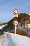 движение дорожного знака скользкое Стоковое Изображение