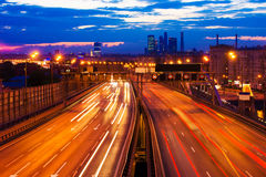 Движение до конца к центру города Стоковая Фотография