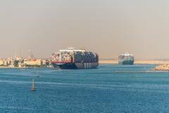 Движение на канале Суэца в Египте стоковая фотография