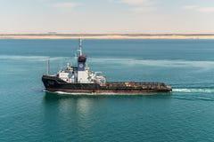 Движение на канале Суэца в Египте стоковые фото