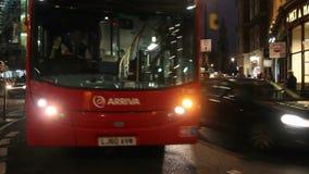 Движение на ноче в Лондоне, Великобритании видеоматериал