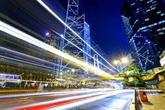 Движение ночи в городе Стоковое фото RF