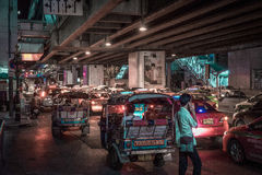 Движение ночи Sukhiumvit стоковые изображения