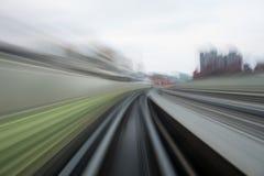 Движение скорости в городском тоннеле дороги шоссе Стоковые Фотографии RF