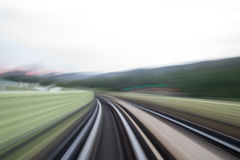 Движение скорости в городском тоннеле дороги шоссе Стоковая Фотография RF