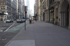 Движение, стоянка и майна велосипеда на Пятом авеню стоковое изображение rf