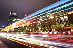 Движение Тайбэй на ноче стоковые изображения