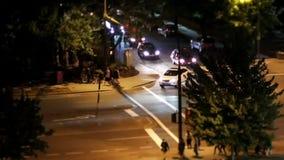 Движение транспортного потока после праздновать день Канады на ноче