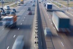 движение хайвея автомобиля Стоковые Изображения RF
