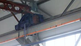 Движения подкрановой балки Движения надземного крана closeup акции видеоматериалы