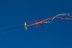 Двойная линия стог 11 змея эффектного выступления Стоковые Фотографии RF