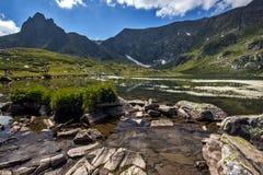 Двойное озеро, 7 озер Rila, гора Rila Стоковое Изображение RF