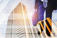 Двойное exposture бизнес-леди вверх по лестницам в часе пик Стоковые Фото
