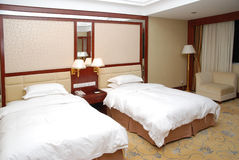 Двойной интерьер спальни Стоковое фото RF