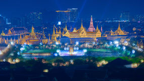 Дворец Бангкока грандиозный на twilight времени с влиянием Bokeh Стоковая Фотография