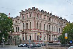 Дворец великого князя Nikolay Nikolaevich в Санкт-Петербурге, России стоковая фотография rf