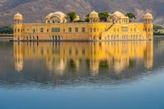 Дворец воды Jal Mahal на Джайпуре Раджастхане Индии Стоковые Фотографии RF
