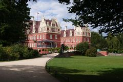 Дворец в парке Германии/Польше Muskauer стоковое фото rf