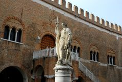 Дворец 300 в Тревизо в венето (Италия) Стоковые Изображения