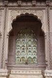 дворец двери старый Стоковые Фотографии RF