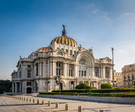 Дворец изящных искусств Palacio de Bellas Artes - Мехико, Мексика Стоковые Изображения RF