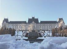 Дворец культуры в сезоне зимы стоковое изображение rf