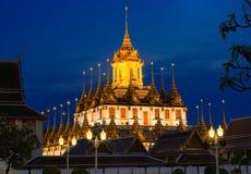 Дворец металла Loha Prasat в виске Wat Ratchanaddar стоковые фотографии rf