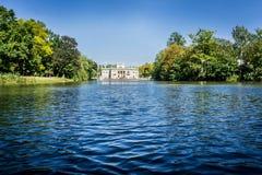 Дворец на воде в парке Lazienki в Варшаве, Польше Южный фасад Стоковые Фото