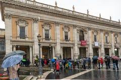 Дворец Conservatori dei Palazzo хранителей в аркаде del Campidoglio Квадрате, Риме стоковое фото rf