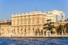 Дворец Dolmagahce от Marmara Стоковое Изображение
