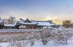 Дворец Gyeongbokgung в зиме стоковая фотография rf