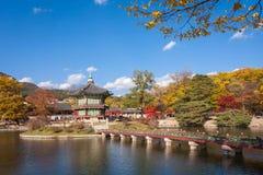 Дворец Gyeongbokgung в осени, Южной Корее Стоковое фото RF