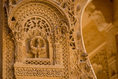 Дворец Mandir в Jaisalmer, Раджастхане, Индии Деталь высекать Стоковые Фотографии RF