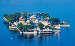 Дворец Mandir Jag, озеро Pichola, Udaipur, Раджастхан, Индия Стоковое фото RF