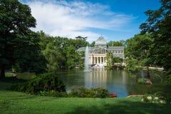 Дворец Palacio de cristal кристаллический в парке Buen Retiro - Мадриде Стоковые Фотографии RF