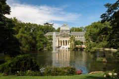 Дворец Palacio de cristal кристаллический в парке Buen Retiro - Мадриде Стоковое Изображение