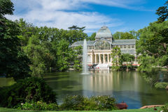 Дворец Palacio de cristal кристаллический в парке Buen Retiro - Мадриде Стоковое Изображение RF