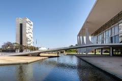 Дворец Planalto и национальный конгресс - Brasilia, Distrito федеральное, Бразилия стоковое изображение