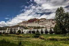 Дворец Potala в Лхасе, Тибете стоковое изображение