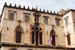 Дворец ` s пастора в Дубровнике построил в готическом стиле, при гармонично combinated ренессанс и барочные элементы, стоковые фото