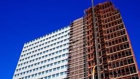 Дворец Unicredit в recladding стоковые фотографии rf