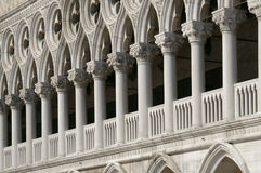 дворец venice мрамора doge колонок Стоковая Фотография RF