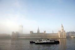 дворец westminster тумана Стоковое фото RF