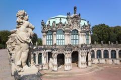 Дворец Zwinger, XVIII столетие - известное историческое здание в Дрездене стоковая фотография rf