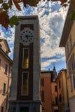 Дворцы и улицы города Arona на озере Maggiore стоковые изображения rf