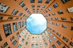 Дворы круглый Санкт-Петербург высоты Стоковое Фото